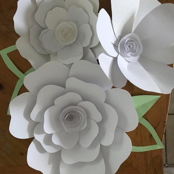 Other lg white paper flowers poshmark lg white paper flowers mightylinksfo